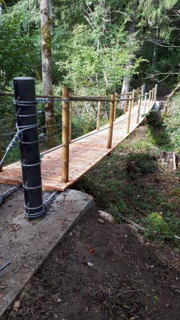 construction passerelle à Lecheraines massif des Bauges